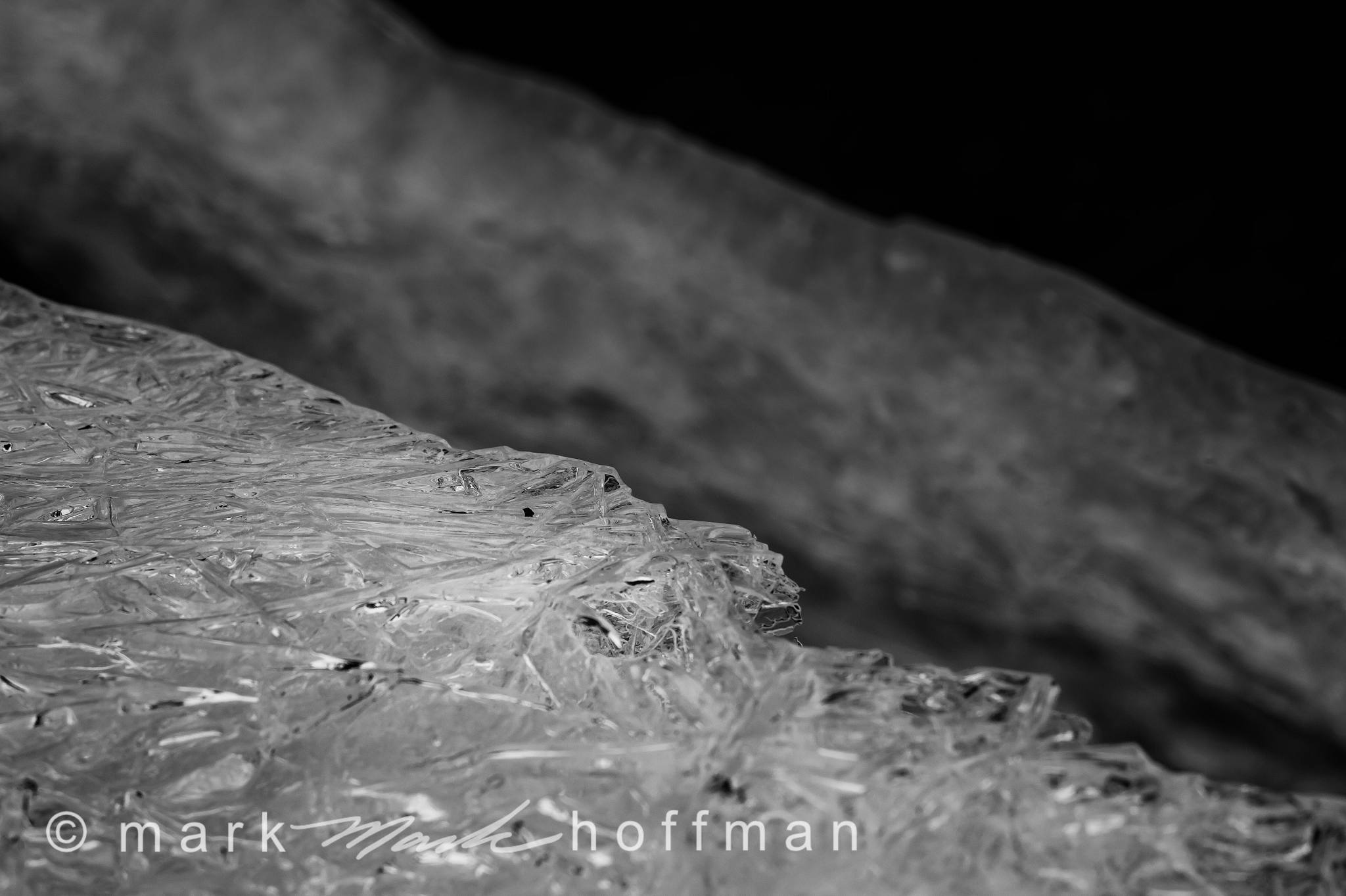 Mark_Hoffman_photophart_20160201_0073_Silv_DB_cap1_var1.jpg