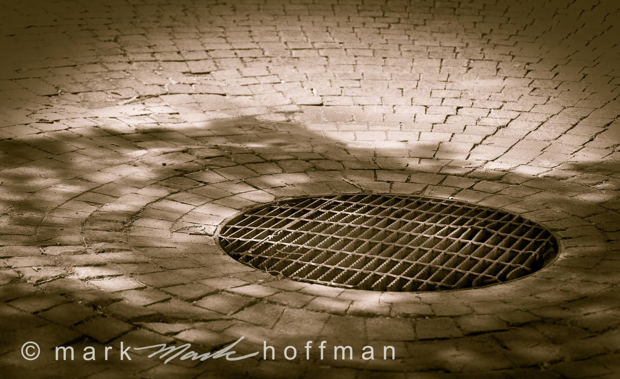 Mark_Hoffman_photophart_ND27335_cap1_var1.jpg